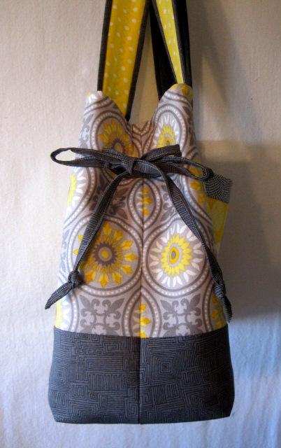 VIv's Bow Tucks Tote, side view
