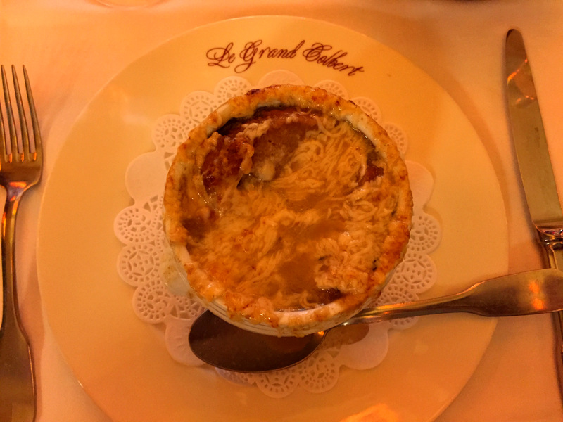 Paris food onion soup