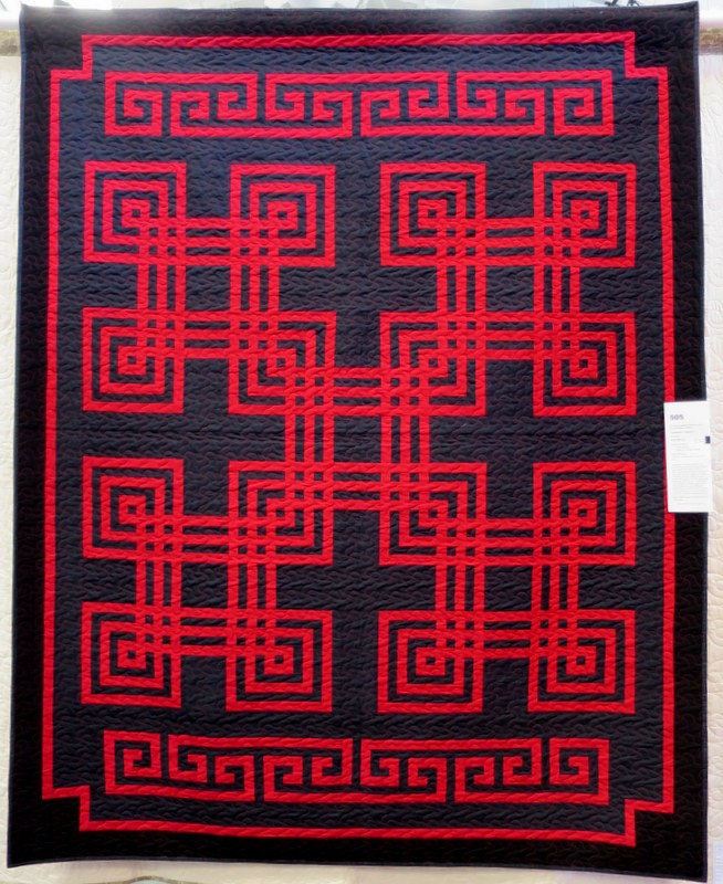 Carpenter's Square by Judy McCoy quilted by Jennifer Rinehart
