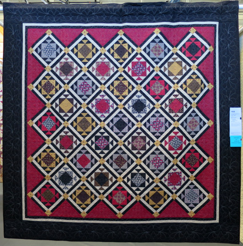 Soldiers Waltz by Barbara Gallant quilted by Lisa Taylor
