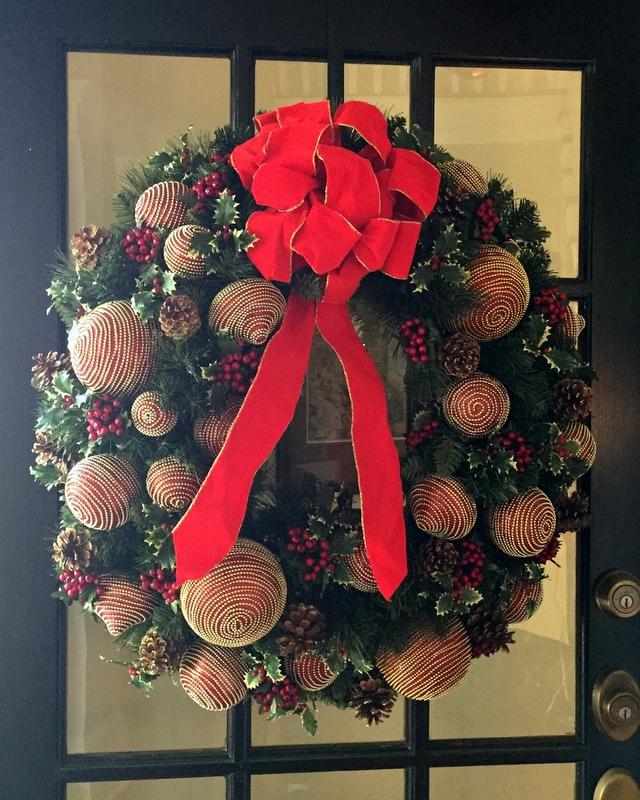stoffel-dec-2016-front-door-wreath